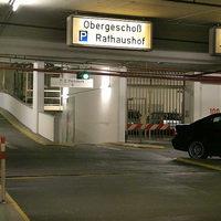 In der öffentlichen Pforzheimer Rathausgarage sind in einem nicht öffentlichen Teil der Tiefgarage (er befindet sich hinter der Wand der Stellplätze 100 bis 107) die mobilen Messwagen und zivilen Einsatzfahrzeuge stationiert.