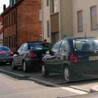 Geblitzt wurde aus einem dunkelblauen VW Passat Kombi.