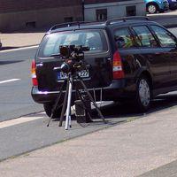 Gerät blitzt Fahrzeuge in FR Rheinberg