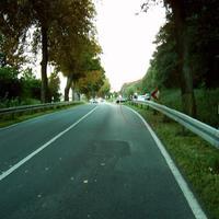 Anfahrtsansicht in Richtung Schwerin. Wer genau hinsah, konnte mit einem Blick die Geräte samt Meßfahrzeug erkennen.