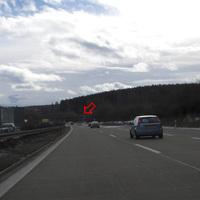 Anfahrtsansicht. Hinter der Brücke die Meßstelle. Messung erfolgte am Freitag, viele Winterurlauber Richtung Alpen unterwegs... Meßstelle wurde im Radio (Antenne-Bayern) genannt.