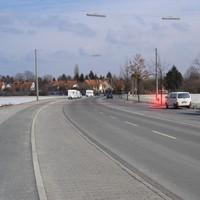 Besonders gefährlich für Fahrzeuge auf der linken Spur, die kurz vor der Fahrbahnverengung noch alle anderen überholen möchten.