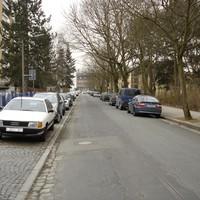 Anfahrtsansicht 1 - Der blaue VW-Bus hat mit der Messung nichts zu tun   ;-)