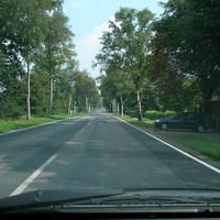 Richtung Bassen. Die Straße ist Schnurgerade 70km/h (ehem. B6). Es passieren deshalb aber sehr viele Unfälle...