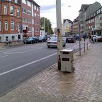 Richtung: Innenstadt Messart: Radargerät Details: Nach dem Kreisel kurz hinter der Bushaltestelle. In dem Bereich, wo für 100m 30 km/h erlaubt sind