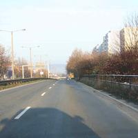 Anfahrt auf die Messtelle. Auf der rund 3-6 km langen Straße sind zahlreiche Standorte bekannt (beide Richtungen)