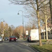 Anfahrtsansicht aus Apolda, Weimar, Bad Kösen kommend. Die Straße ist sehr beliebt für Messungen, vor allen in den Morgen- und Abendstunden. In der rund 2 km langen Straße sind mindestens 8 weitere Messstellen bekannt.