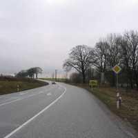 Anfahrt von der A20 Abfahrt Zurow kommend. Der Messwagen war weit von der Straße im Matsch geparkt worden, die Messeinrichtung wurde hingegen nicht getarnt.