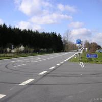 Parkplatz Filsum, aus Richtung Cloppenburg/Friesoythe kommend, weißer VW T4 der Polizei