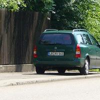 grüner opel astra. kennzeichen LB-XV 141. kennzeichen zuletzt an weißem opel astra gesehen. wechselkennzeichen?