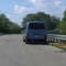babyblauer VW-Meßbus M-TY-2270, Absicherung erfolgte durch die eingeschaltene Warnblinkanlage. Google Earth zeigt den Meßbus: 48°26'07.65'' N, 11°35'21.35''
