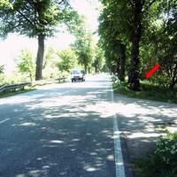 Anfahrt. Für Otto-Normalfahrer aufgrund der Lichtverhältnisse schwer zu erkennen.