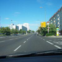 Die moderne Technik hat nun auch in Berlin Einzug gehalten. Anfahrtsansicht. Immer schön mit 50 rumgurken.