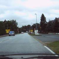 Anfahrt. Im Radio zwar als 'Ortseingang LWL' gemeldet, aber das OE-Schild steht etliche hundert Meter vorher ...