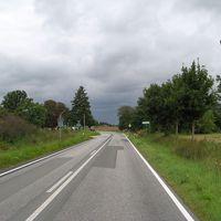 Anfahrt: Ab etwa 250m vor der Messung gelten 70 km/h.