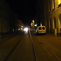 Anfahrt. Die Messung hier gegen 21.00 in der 30-Zone geht in Ordnung, insbesondere auf dieser Ecke (Haupbahnhof) ist um diese Zeit noch etwas los.