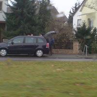 """Seiten-Ansicht des """"neuen"""" Opel Karavan Mobil Blitzer. """"Die Mitarbeiter erhalten gerade eine Einweisung""""."""