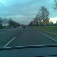Schöne gerade Einfallstrasse nach Münster. Tempo 70