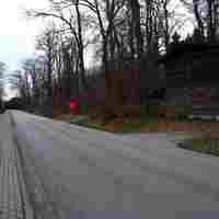 Anfahrt. Der graue T4 wurde im Waldweg hinter der Scheune abgestellt.