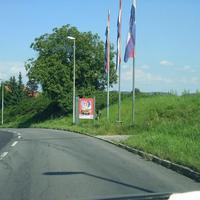 Aus Nordheim kommend, kurz nach dem Ortsschild. Blitzer muss von einem aufmerksamen Autofahrer erkannt werden.