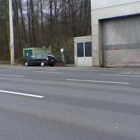 Gut geparkt, etwas nicht ganz so fair, da nur ein paar Meter weiter bereits das Ortsschild ist...