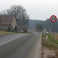 Wie immer wenn in diese Richtung gemessen wird: Sehr auffällige Geschichte   ...aber dafür sind auch nur 60 km/h erlaubt.