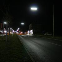 Anfahrtsansicht. Messpunkt auf Höhe der Autohäuser (Opel & Renault)   ...ein VW-Bus steht einsam und verlassen auf dem Acker   ...hmm, schon mal verdächtig.