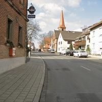 Anfahrt. Gar nicht üblich, dass hier im Ortskern von Poppenreuth gemessen wird.