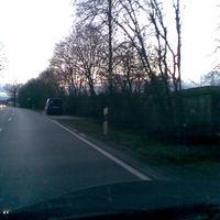 blauer Fiat Doblo RO - X 348, steht in FR RO nach der Abzweigung nach Griesstätt auf der B 15