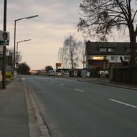 Anfahrtsansicht auf Höhe der OVF-Bushaltestelle.