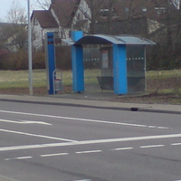 niegelnagelneue Messtelle, farblich schön in die Bushaltestelle integriert. Wer es nicht weiß... Pech gehabt. Ist in der Anfahrt nicht zu erkennen.