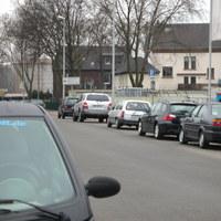 Sehr selten, dass auf dieser Straße geblitzt wird, die Duisburger Polizei ist halt in manchen Sachen unberechenbar. Geblitzt wurde aus dem beigen Astra.