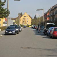 Anfahrt. Viele benutzen die Straße als Abkürzung. Hauptgrund der Messung ist allerdings die Schule auf der linken Seite.