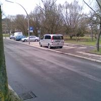 30er Zone aber gut zu erkennen da niemand sich sonst traut so zu parken