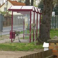 beidseitig bushaltestelle