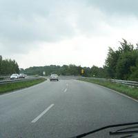 Anfahrtsansicht von der B200 aus Ri dänische Grenze kommend, ein einzelnes 70 Schild nach der Ausfahrt.