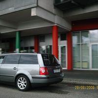 VW-Passat Kombi,  silbergrau,  amtl.Kennzeichen: RD - KY 877, elektronische Falle auf Ablagefläche & im Fahrzeuginneren hinter Kofferraumklappe.