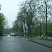 Hier in Rtg. Heilbronn. Ganz rechts der altbekannte Vito. Auch die Lichtschranke und Fotoeinheit neben der Litfaßsäule.