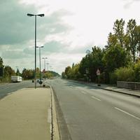 Anfahrt. Hier gelten noch 50 km/h. Aber viele geben schon Gas, weil danach die Verbindungsstraße in Richtung Zirndorf kommt auf der 80 km/h gefahren werden darf.