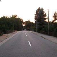 Anfahrt. Der Ort befindet sich wenige Meter hinter der Kreisgrenze von Parchim.