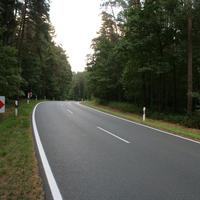 Anfahrt   ...vermutlich aufgrund der kurvigen Strecke wurde die zHg hier auf 70 km/h begrenzt.