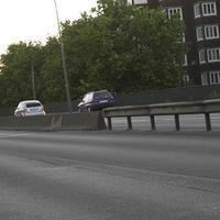 Ein blauer Kombi blitzte gegen Abend auf der vielbefahrenen Brücke kurz hinter der Bushaltestelle. Auch Düsseldorf braucht Kohle.