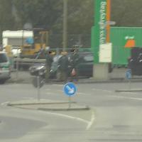 Am beschaulichen Duisburger Innehafen in einer blödsinnigen 30er Zone warteten drei Chinesen mit dem Kontrabaß äääääääääääh drei Polizisten mit der Laserpistole :-)
