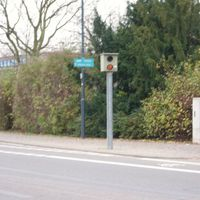Starenkasten in Langen (Hessen), Südliche Ringstraße. Höhe Hallenbad, Fahrtrichtung von Mörfelden bzw. A5 kommend.