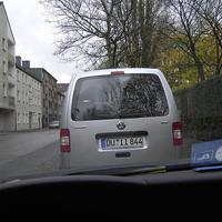 Auch in Wanheimerort vor dem Kindergarten machte das Ordnungsamt Rast. War mal so fies und hab mich direkt hinter das Auto gestellt. Dann hat er die Flucht ergriffen :-)