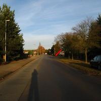 Hier das nachgereichte Anfahrtsbild. Damaliger Standort des Meßwagens sh. Pfeil.