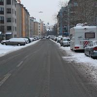 Anfahrt. Hier ist vom Fahrzeug noch nichts zu sehen. Messung durch Stadt Nürnberg