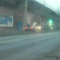 Leider aufgrund der Dämmerung eine sehr schlechte Aufnahme. In Höhe des Autos standen die Männekens unter der Brücke und laserten den Autos entgegen. Reine Abzockerstelle da keine Gefahr.