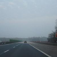 Anfahrt auf die Messstelle. An der Messstelle gelten wegen der Brückschäden 60 km/h