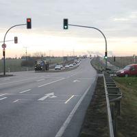 Überblick über den Standort. Er befindet sich auf der B 91 kurz nach der Auffahrt zur BAB 9 an der Abfahrt zum Gewerbegebiet Zorbau.